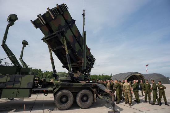 The file photo shows that the air defense missile system Patriot from the United States is seen in Tobruq Legacy 2017 held in Siauliai, Lithuania, on July 11, 2017. (Xinhua/Alfredas Pliadis)